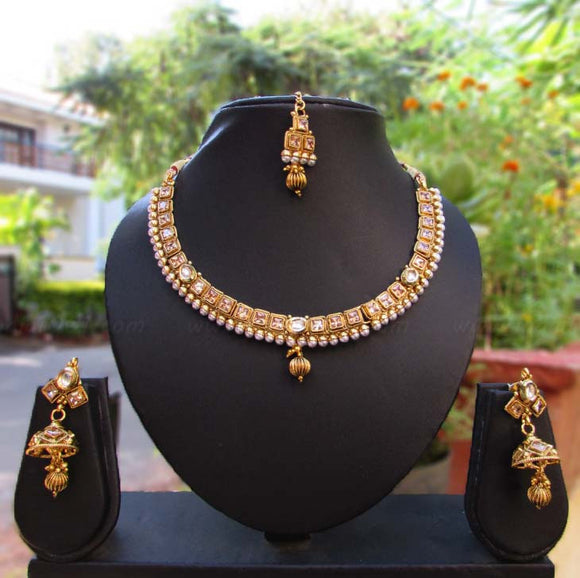 Designer Kundan & Pearl Choker Necklace Set