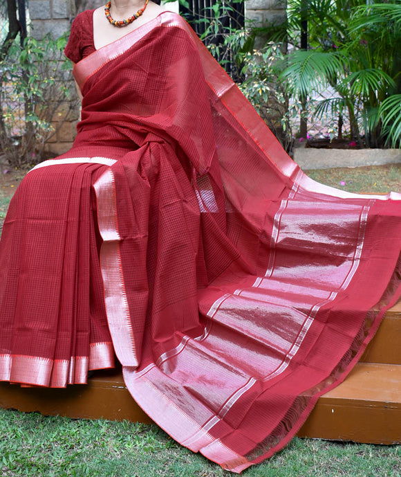 Elegant Handwoven Mangalgiri Cotton Saree with Colored thread & Silver Zari border