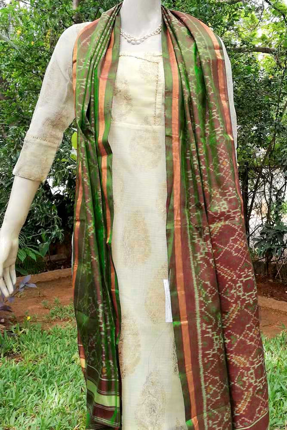 Beautiful Handwoven Patola Stole / Dupatta