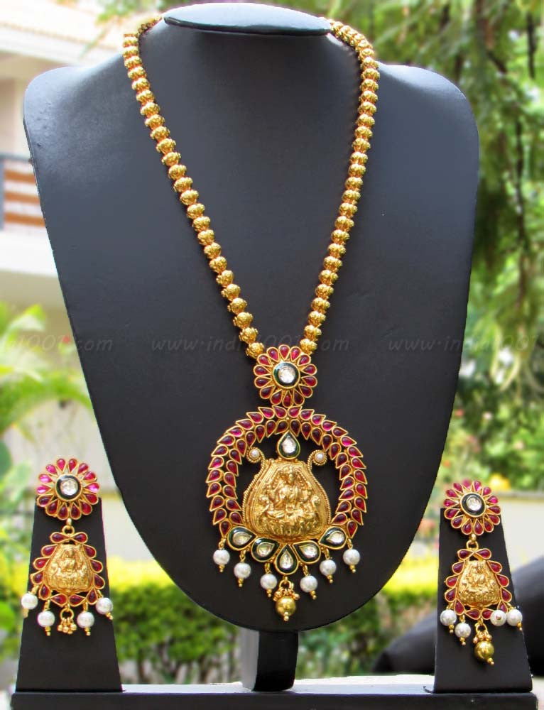 Beautiful Temple jewelery Set