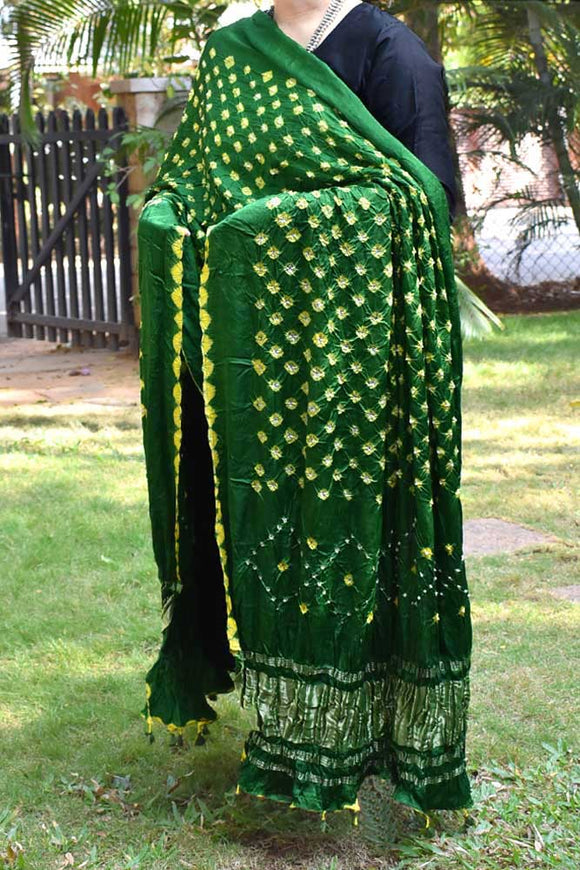 Beautiful Gajji Silk Dupatta with intricate Bandhani patterns & Tissue Palla