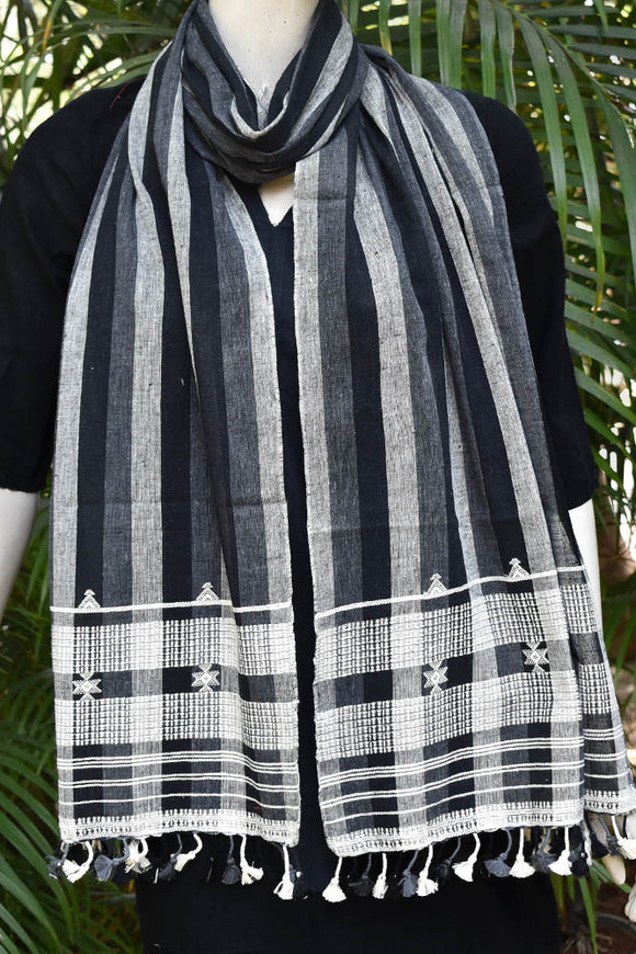 Elegant Handwoven Kala Cotton Kutch Bhujodi stole with beautiful tassels