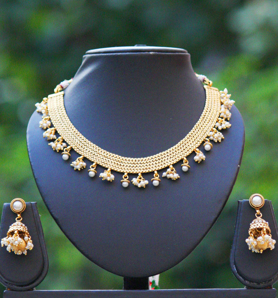 Elegant Pearl Necklace Set