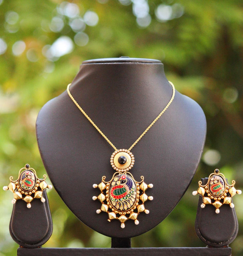 Stunning Pendant Set with Pearls & Polki