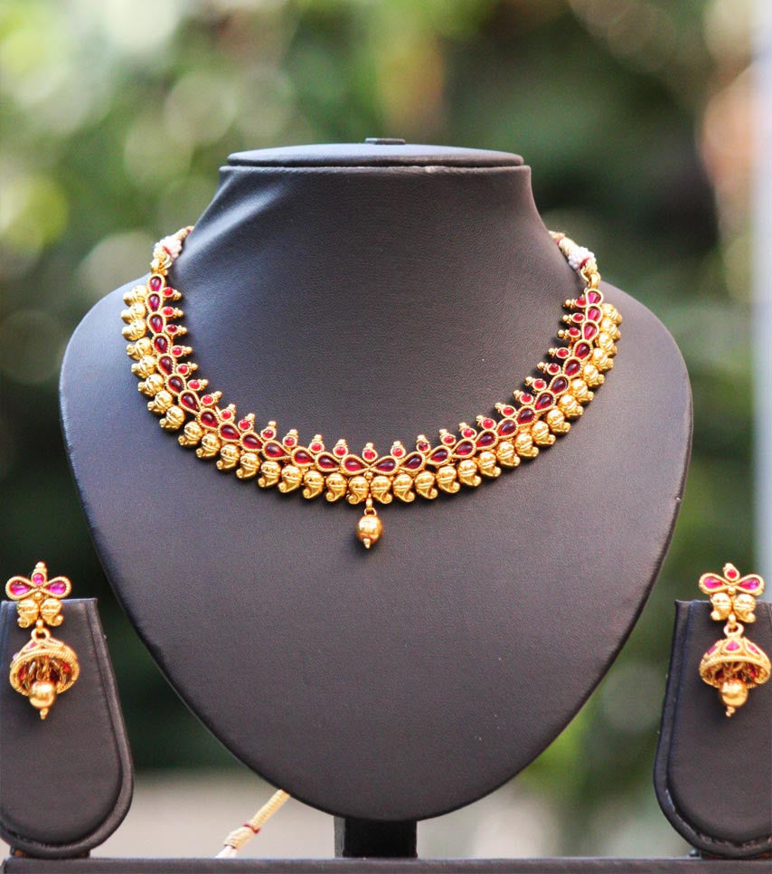 Stunning Polki Necklace Set