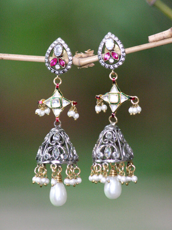 Stunning Kundan Earrings in antique finish