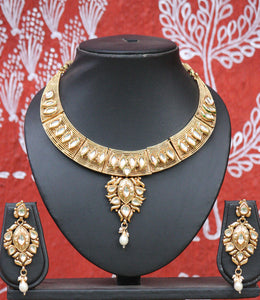 Stunning Pearl & Kundan Necklace Set