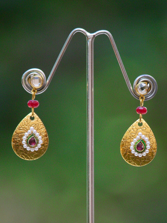 Delicate Pearl and Kundan Earrings