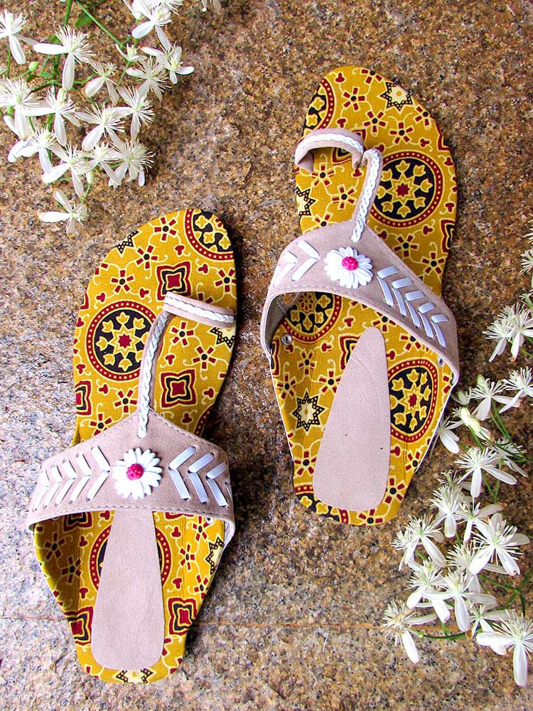 Hand Crafted Slip-on with Block Printed Fabric
