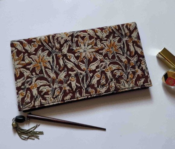 Cream Flower Kalamkari Clutch