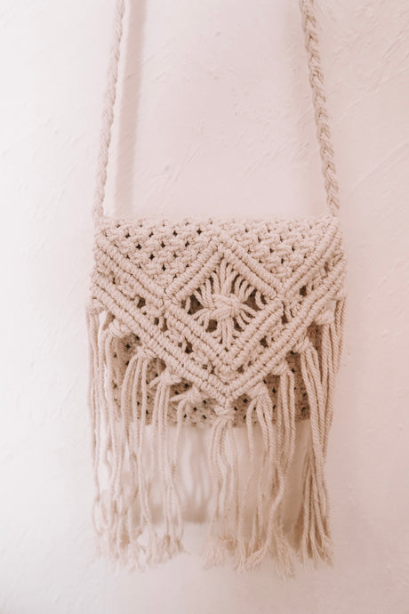 NURUL SMALL SQUARE WHITE MACRAME BAG