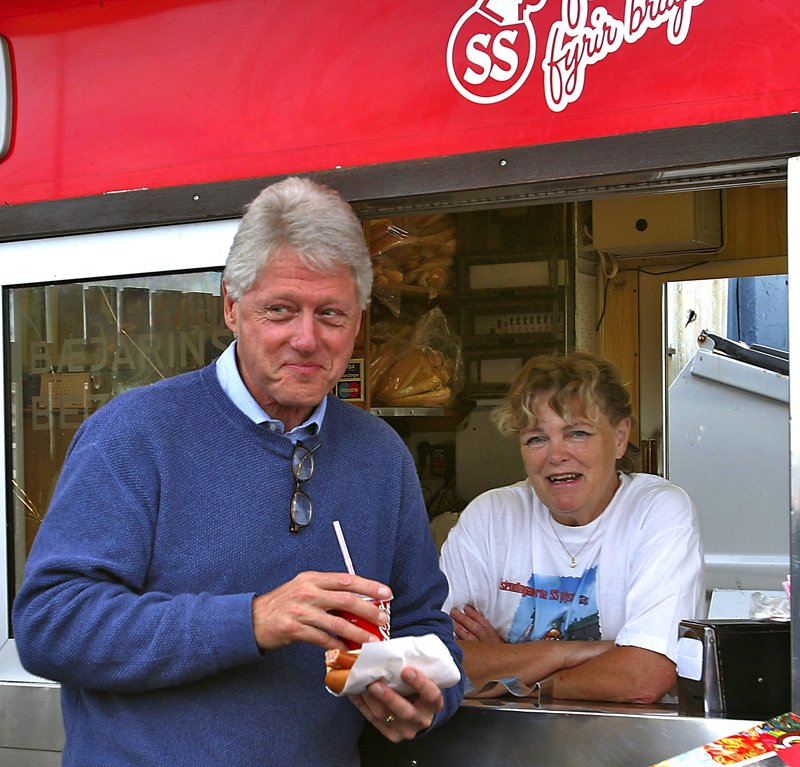 Bill Clinton Iceland Hotdog - Einhorn Travel Accessories