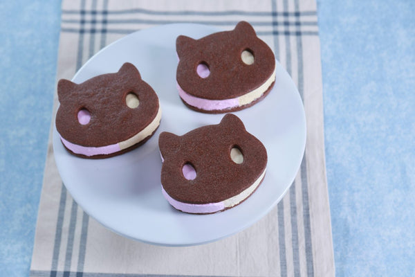 Steven Universe Cookie Cat Ice Cream Sandwich