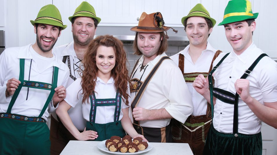 The Warp Zone and Rosanna Pansino make Hedgehog Cream Puffs