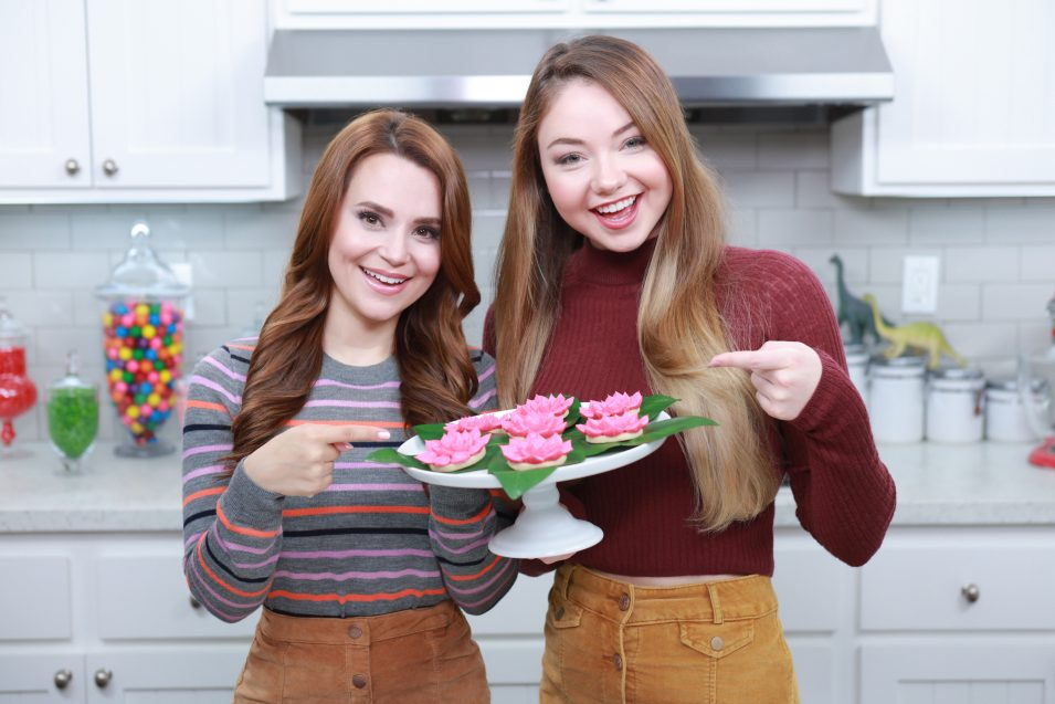 Meredith Foster and Rosanna Pansino make Percy Jackson Lotus Flower Cookies