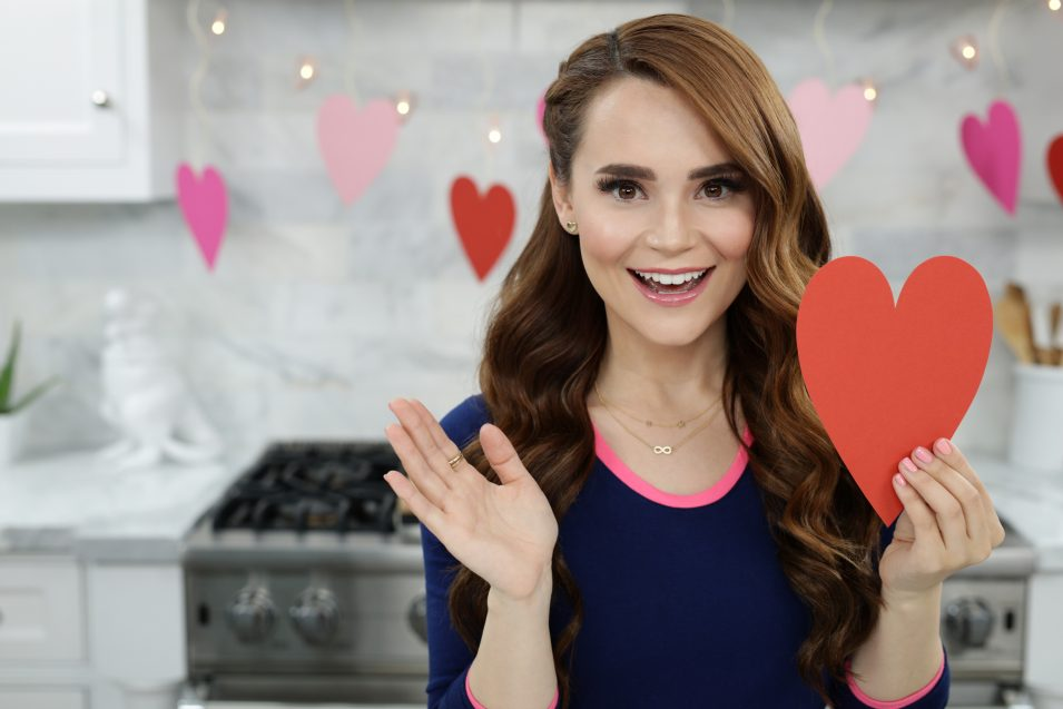 Rosanna Pansino makes Valentines Day Breakfast Treats