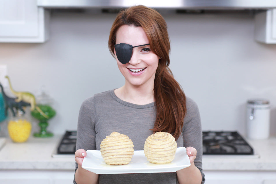 Rosanna Pansino makes Metal Gear Solid Baked Peach Hornet's Nest
