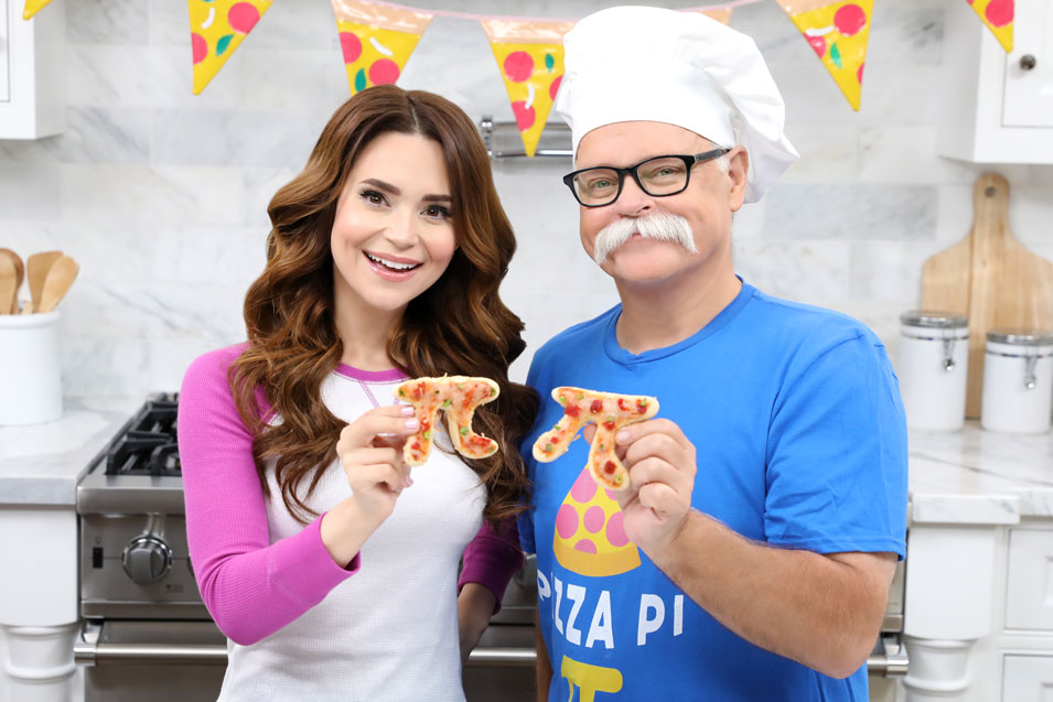 Rosanna Pansino and Papa Pizza make Pi Pizza Pies on Nerdy Nummies