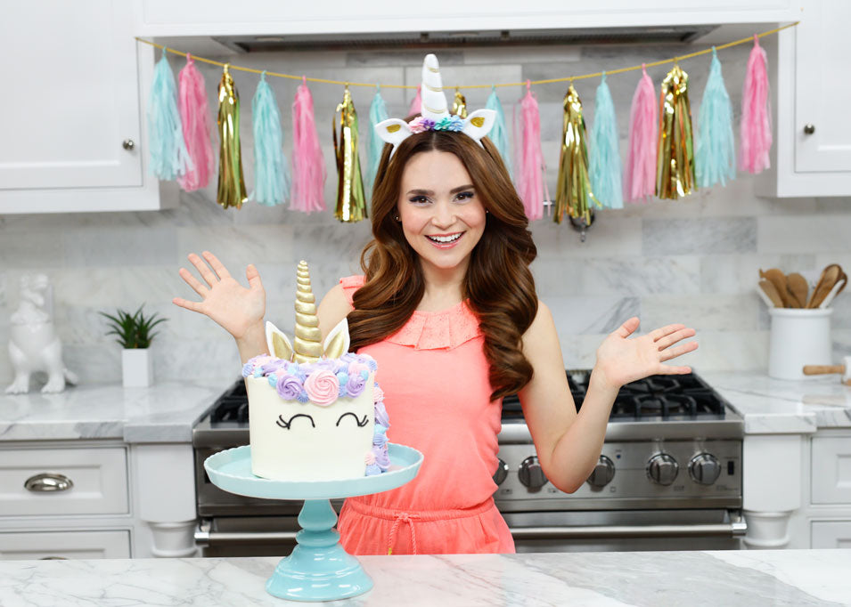 Rosanna Pansino makes a Unicorn Cake