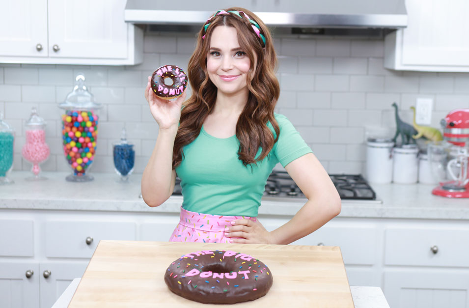 Rosanna Pansino makes The Big Donut