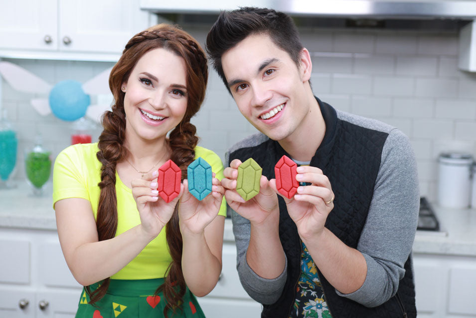Rosanna Pansino and Sam Tsui makek Zelda Ruppee Cookies