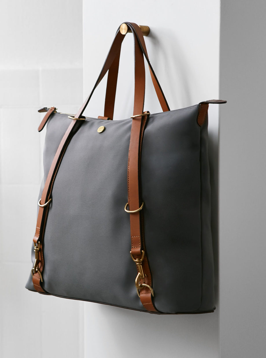 M/S Day Pack - Concrete/Cuoio description image
