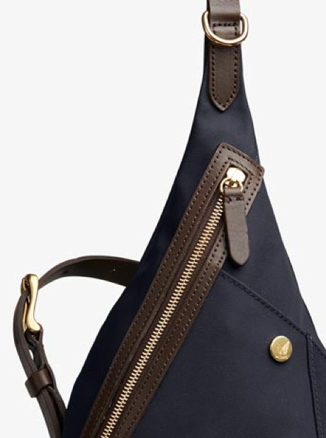 M/S Drop Bag – Navy/Dark Brown description image