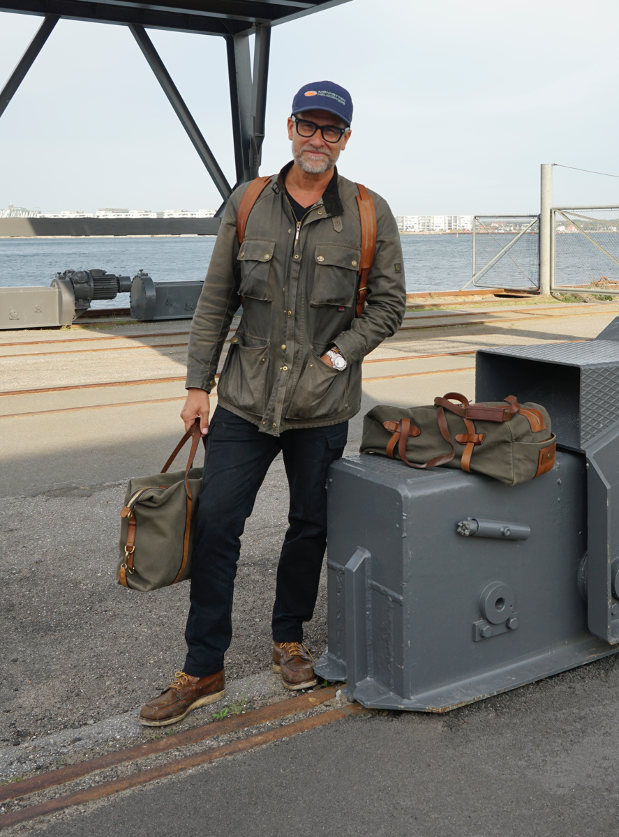 Kristian Haagen with Army/Cuoio Mismo Bag