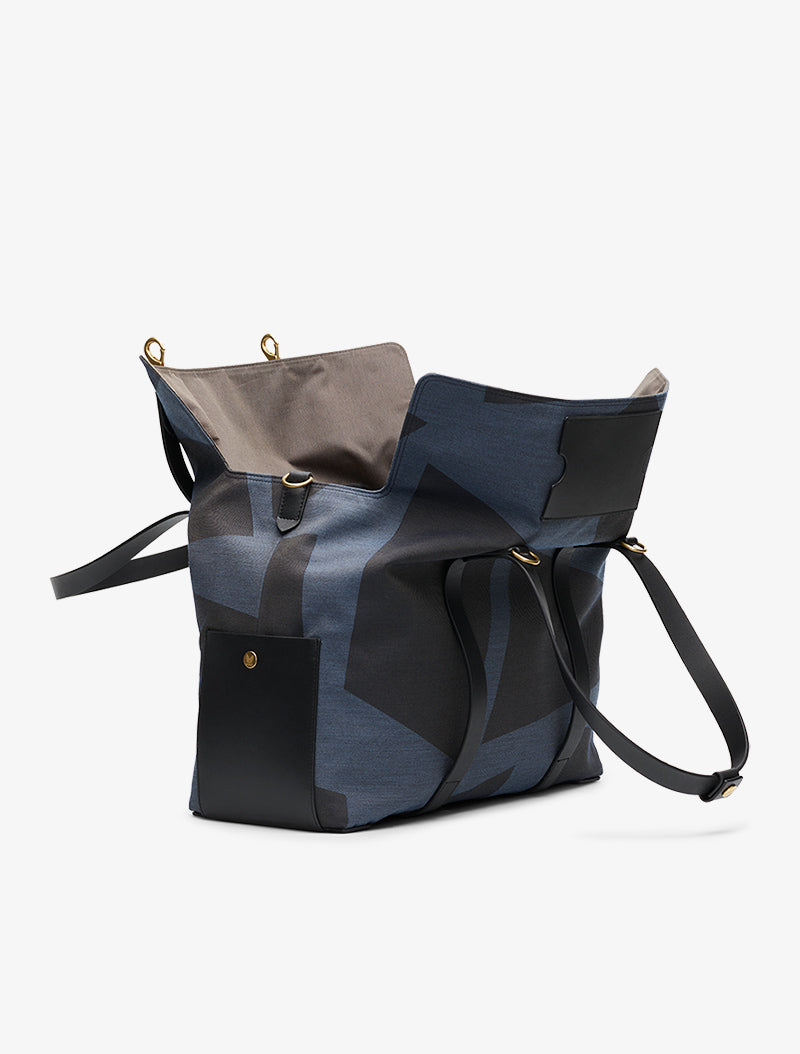 M/S Mega Tote - Elements Jacquard/Black description image