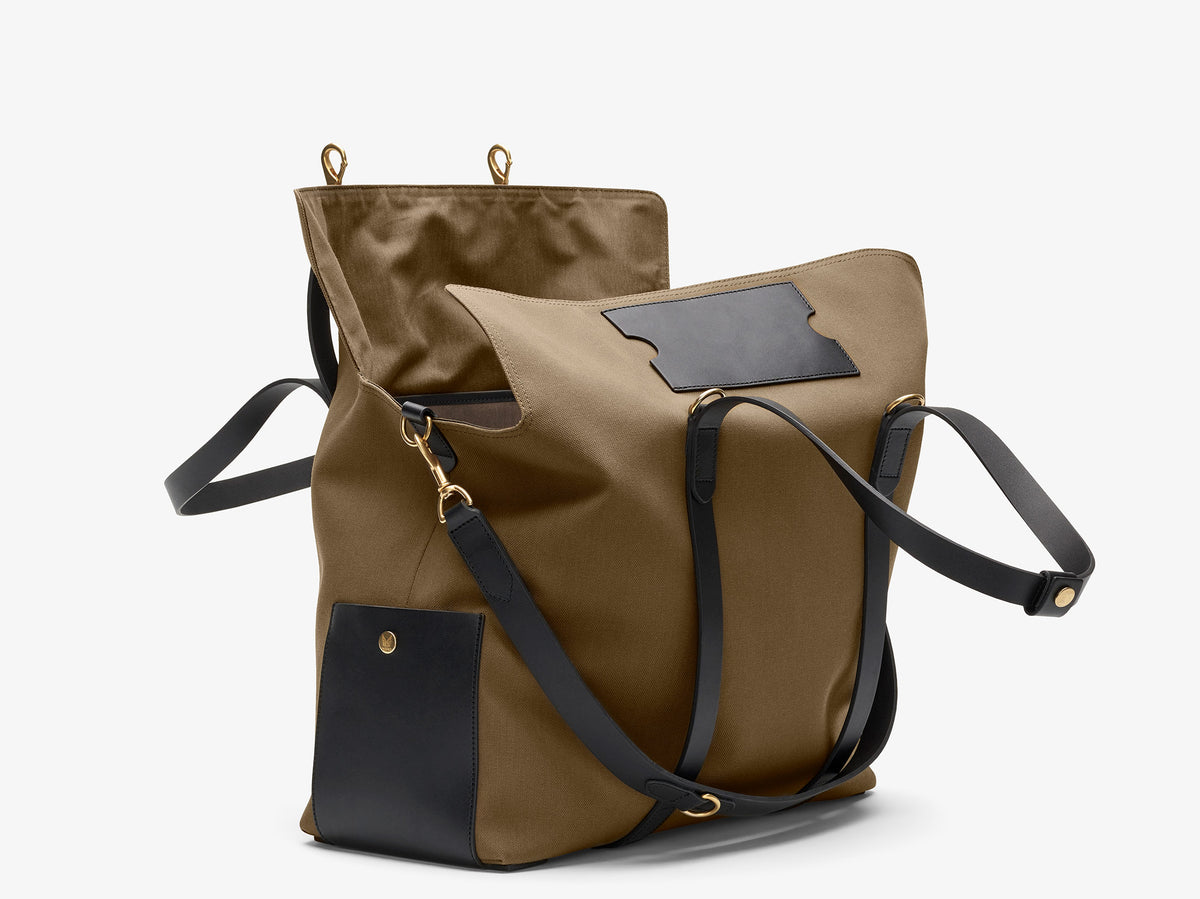 M/S Mega Tote - khaki/black description image