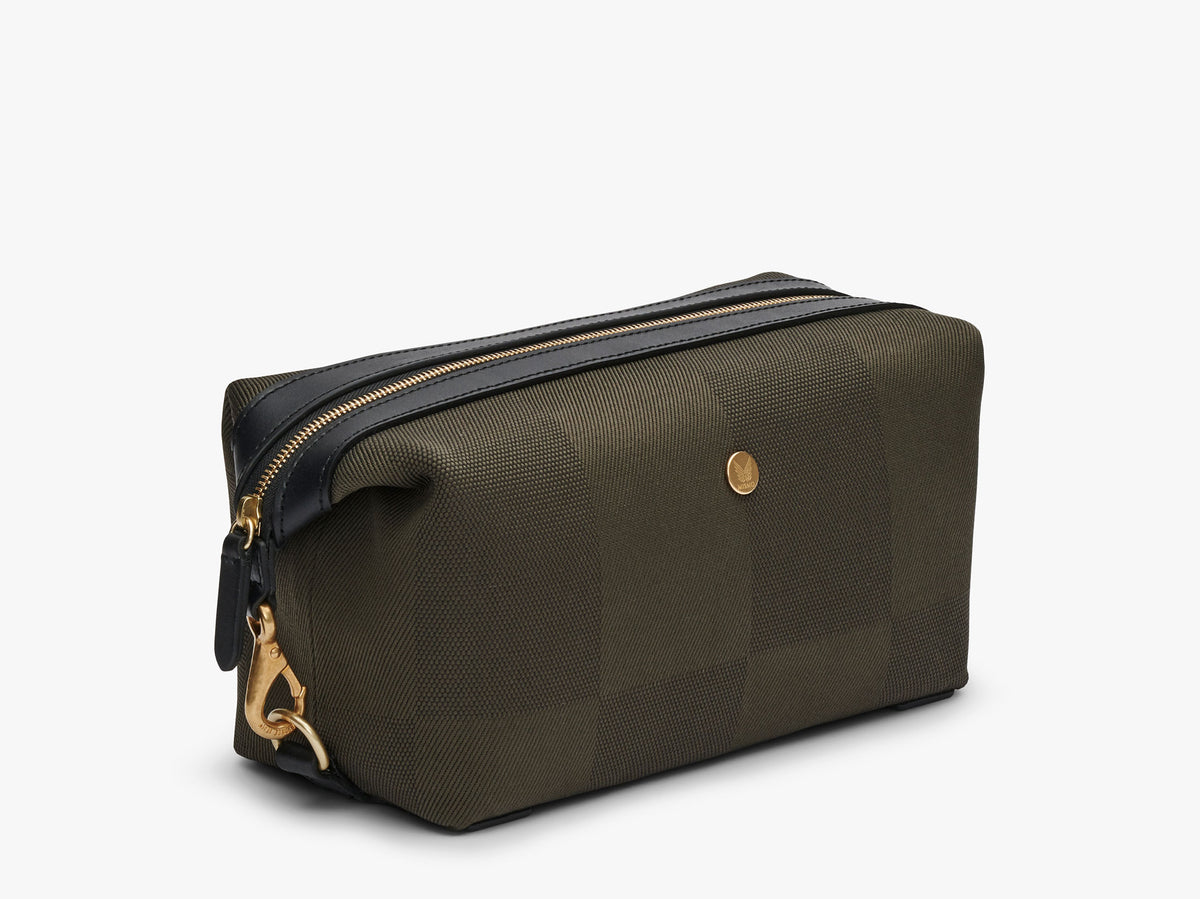 M/S Washbag – King's Green/Black description image