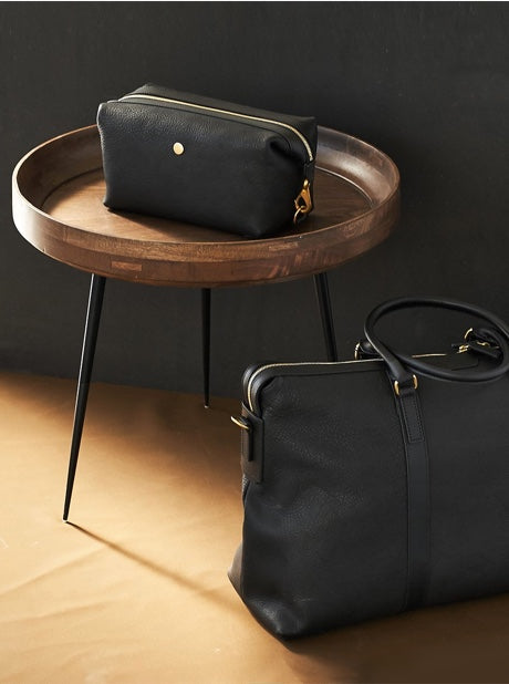 Washbag, Leather - Black/Black description image