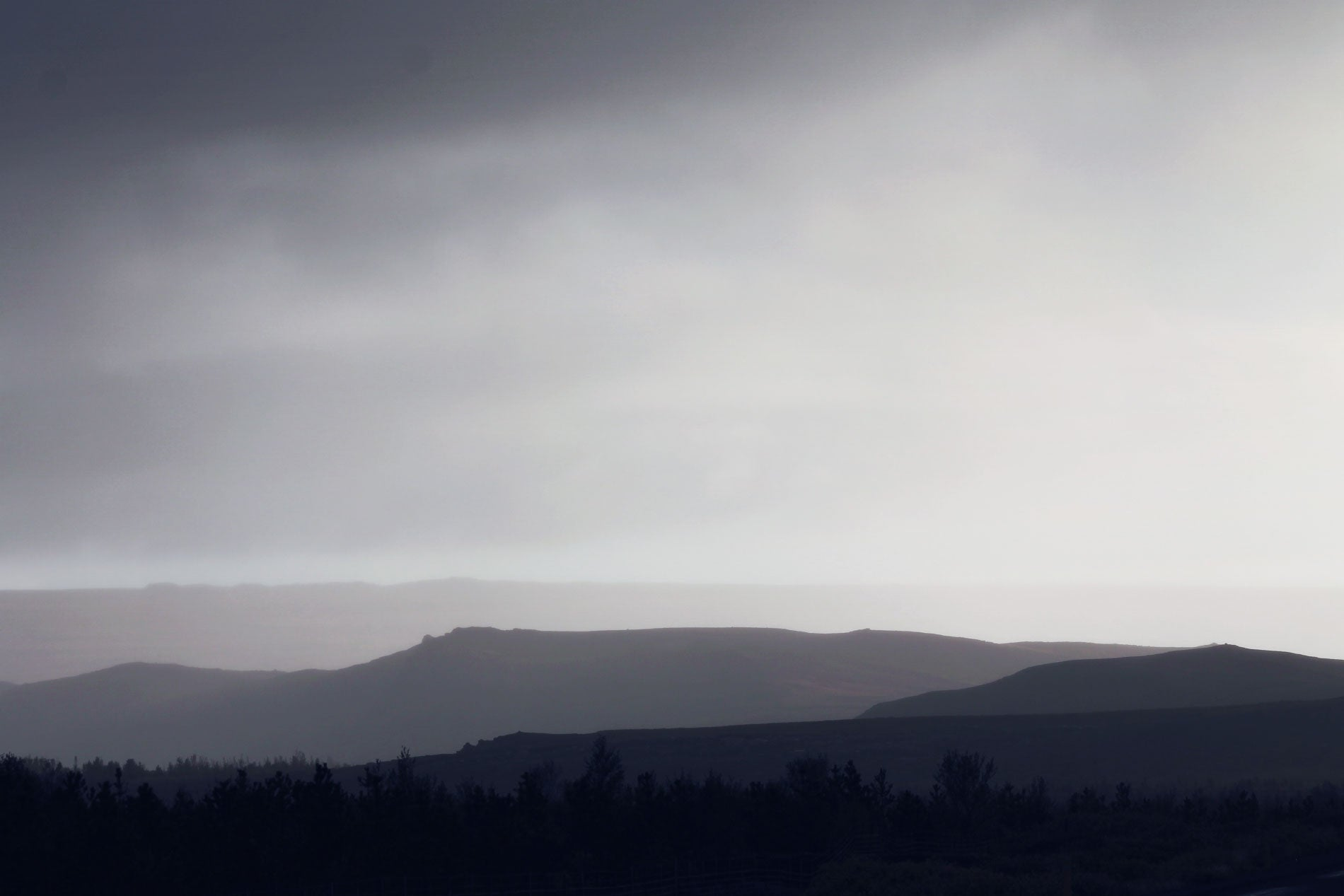 icelandic horizon with hills