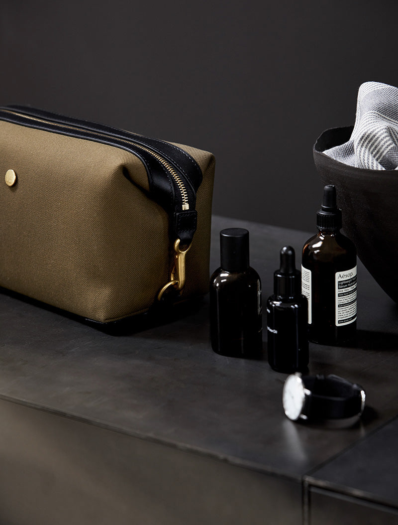 M/S Washbag - Khaki/Black description image