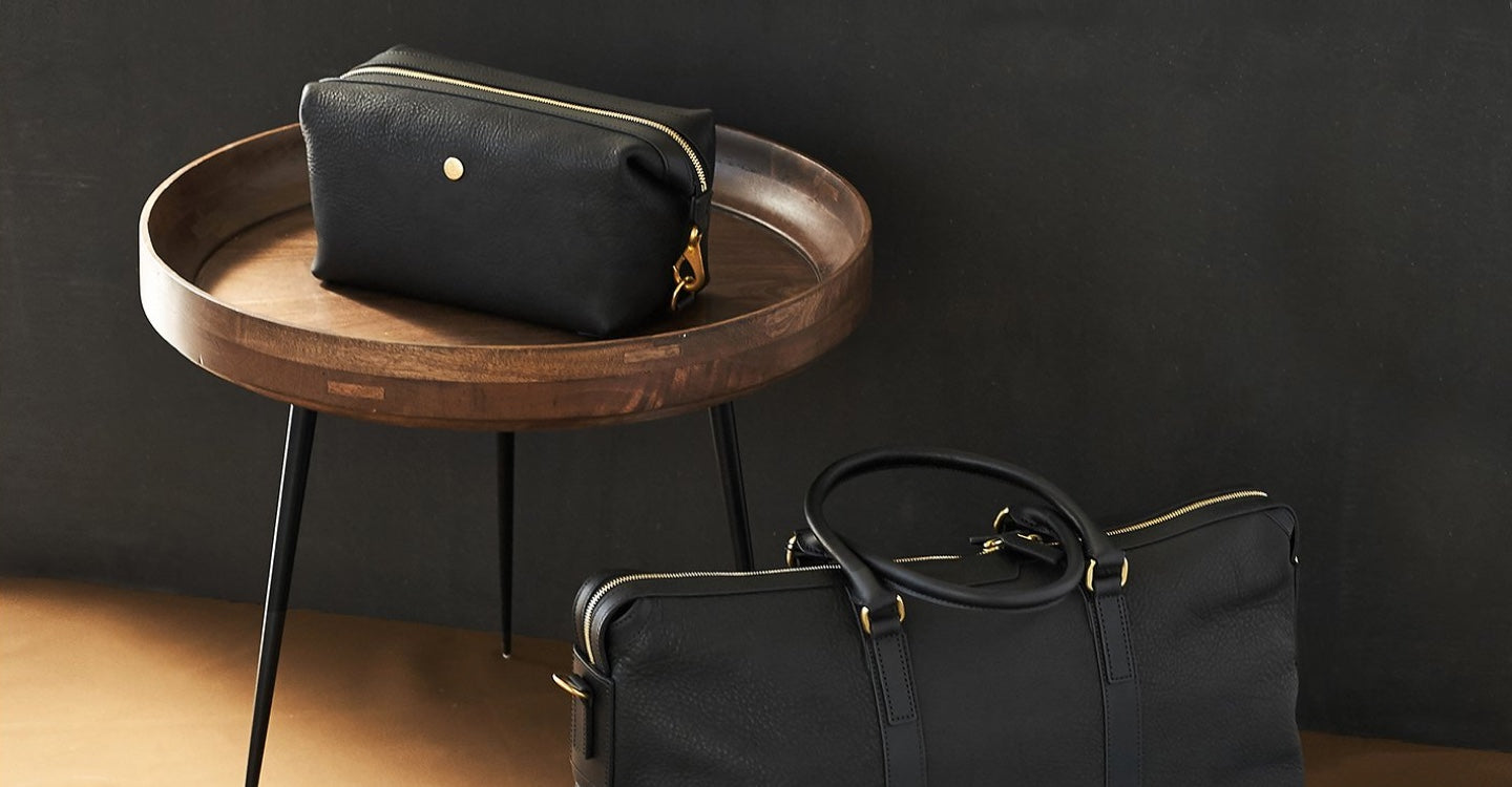 Washbag, Leather - Black/Black feature image 3
