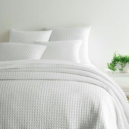 Pine Cone Hill 'Waffle' Matelassé Coverlet