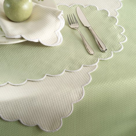 Matouk Scalloped Diamond Piqué Tablecloth - White
