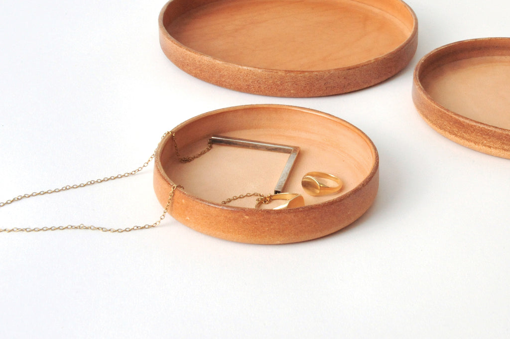 Round leather tray - Set of Three