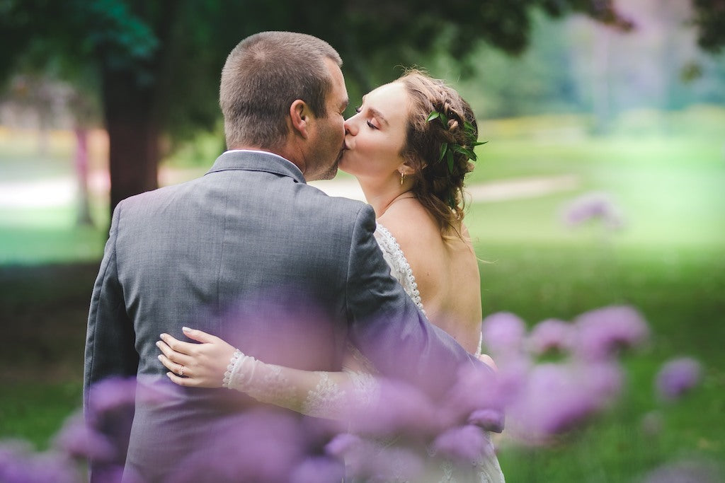 Wedding Photo Bride and Groom Kissing