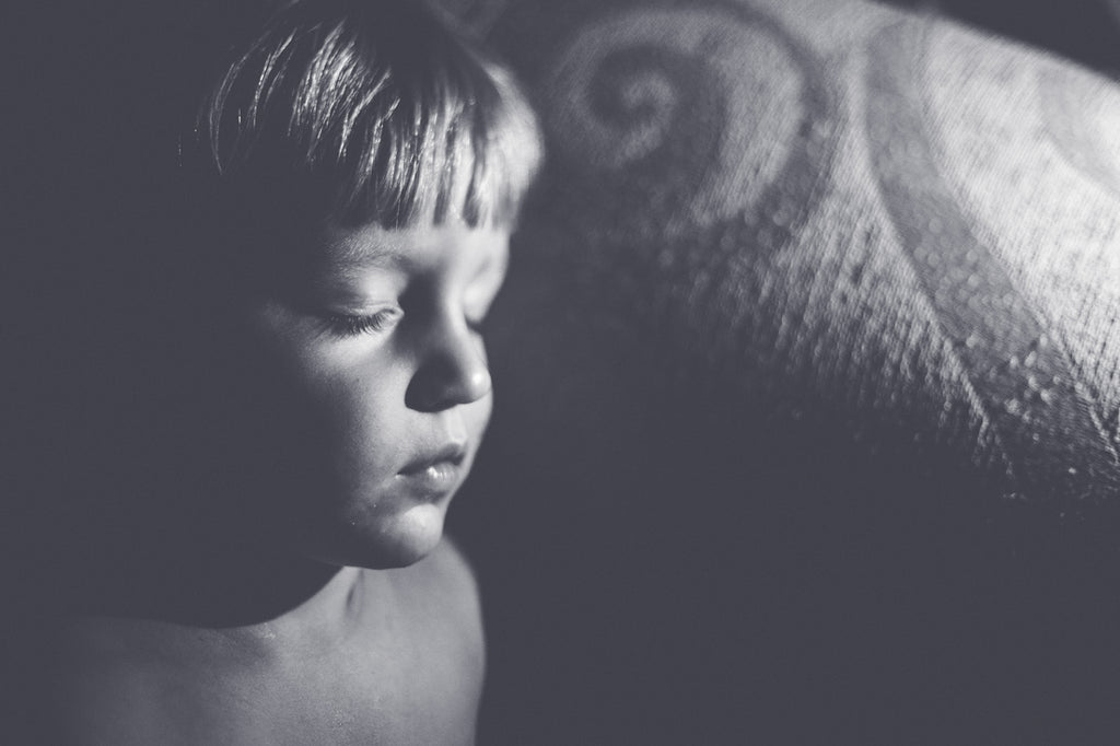 Freelensing Picture of a boy sleeping