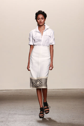 Look 9: Surelee, Boyfriend Shirt in white piqué cotton Elén Pencil Skirt in organic ivory linen, hand-loomed pima cotton and alpaca textile