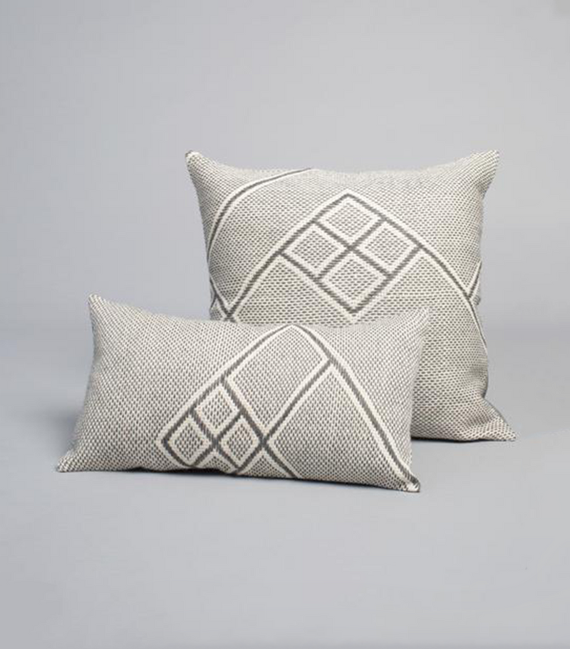 Che Lumbar Pillow in Light Grey