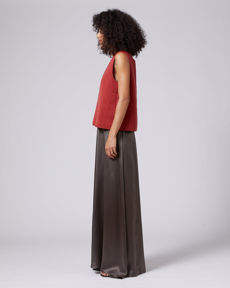 Solid Textile V-Back Top