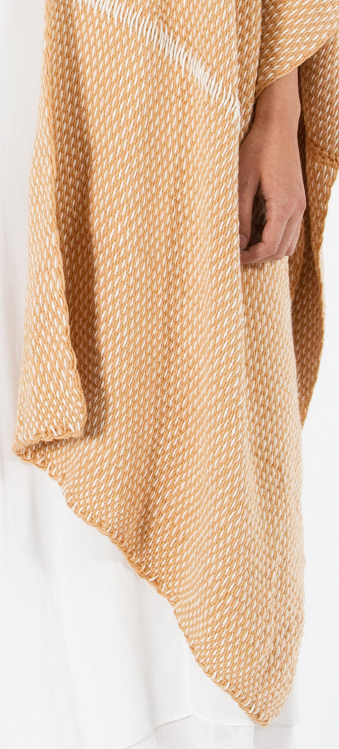 Lineas Shawl: Straight Pima cotton - desert apricot with ivory (detail)