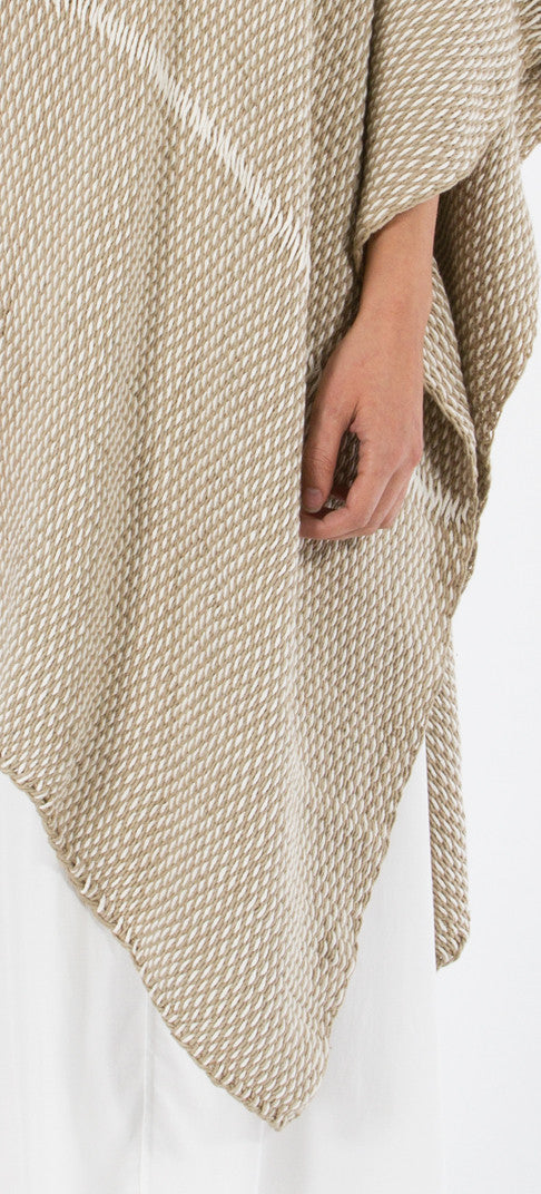 Lineas Shawl: Straight Pima cotton - sand with ivory (detail)
