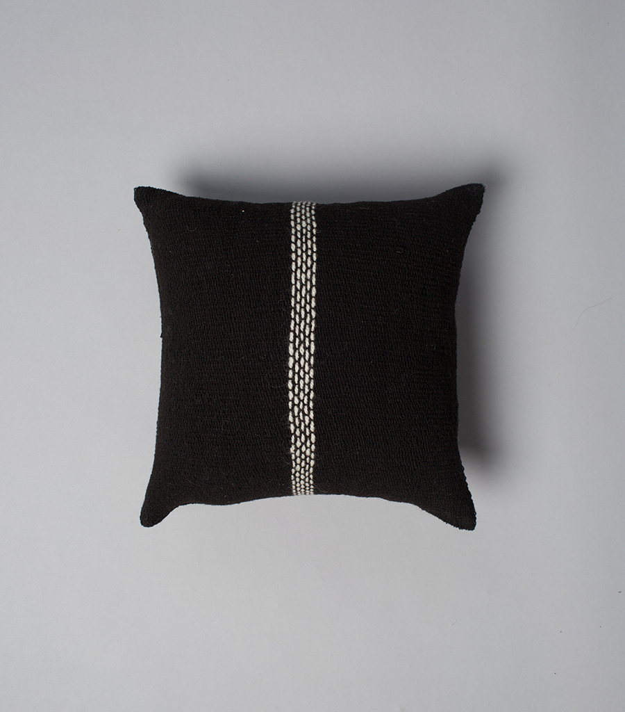 Lineas Simple Square Pillow