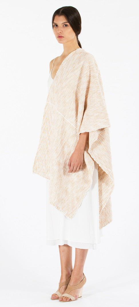 Lineas Shawl: Flammé Pima cotton - ivory with desert apricot