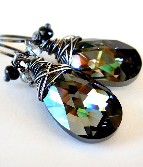 Dusk earrings in black crystal and sterling silver wire