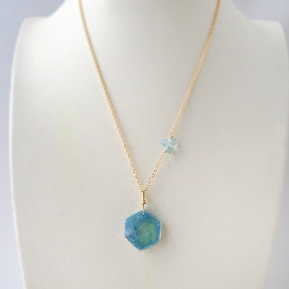 Aquamarine geometric gemstone necklace in gold
