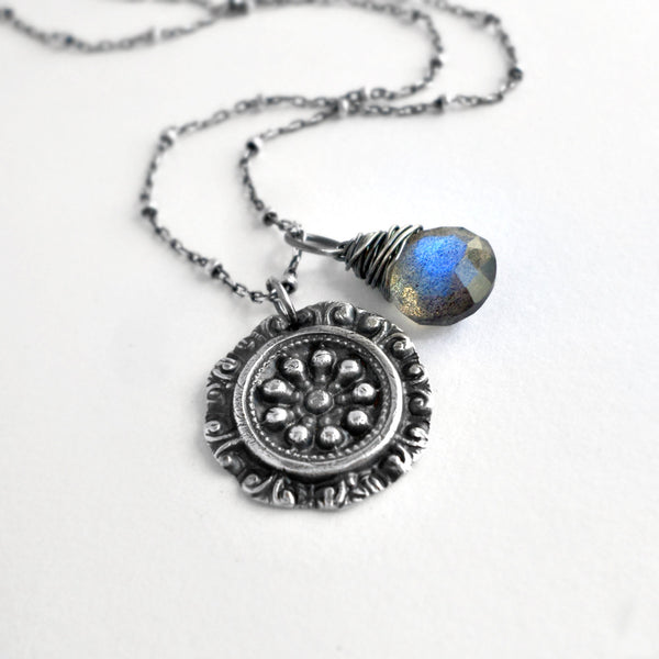 Tulla Necklace with Labradorite